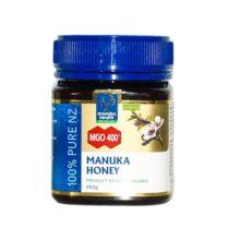 Miel Manuka MGO 400 250g. es un complemento alimenticio a base de Miel de Manuka con al menos 400mg./Kg. de Metilglioxal ,compuesto que sse encuentra de manera natural en la misma y que proporciona una propiadades únicas.
